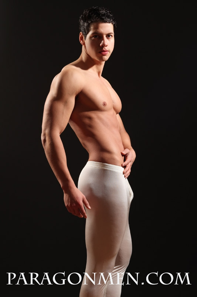 Gay-porn-pics-09-Lupe-Viscarra-Paragon-Men-all-american-boy-naked-muscle-men-nude-bodybuilder-photo