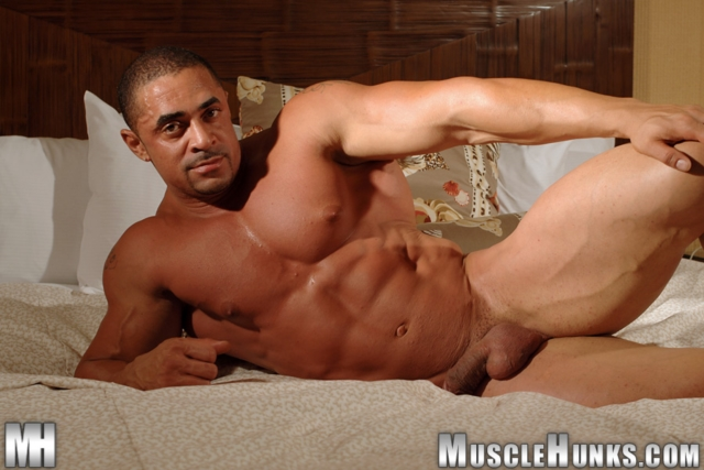 Eddie-Camacho-Muscle-Hunks-nude-gay-bodybuilders-porn-muscle-men-muscled-hunks-big-uncut-cocks-tattooed-ripped-12-gallery-video-photo