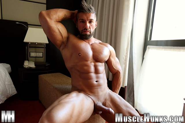 muscle men 2 muscle hunks  Lucas di Angelo