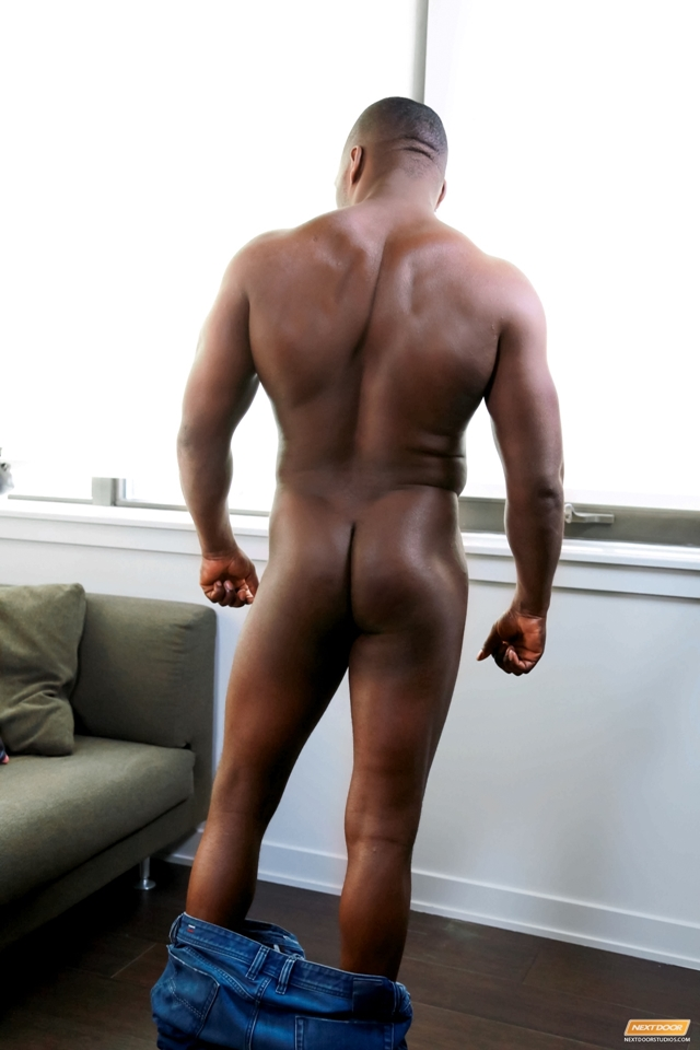 Next-Door-Ebony-Jayden-Stone-gym-undress-shower-large-black-cock-003-male-tube-red-tube-gallery-photo