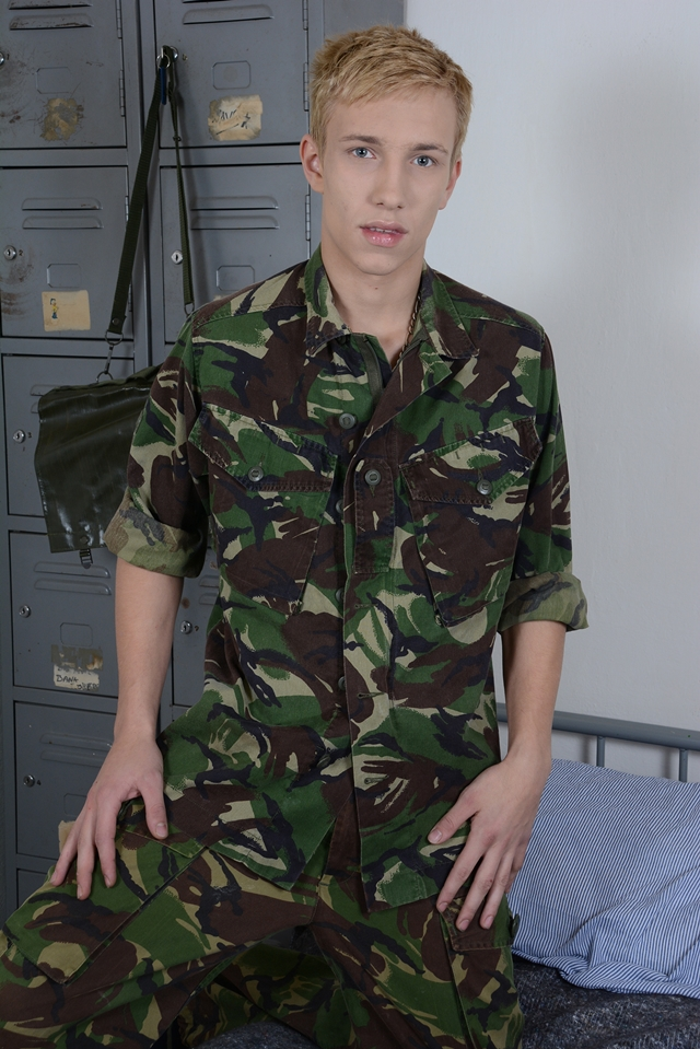 Staxus-Young-soldiers-privates-Jaxon-Radoc-Sven-Laarson-khaki-uncut-inch-smooth-nude-boy-ass-002-male-tube-red-tube-gallery-photo