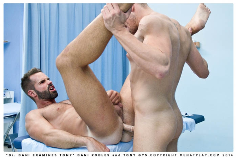 muscle men 2 men at play  Danie Robles and Tony Gys