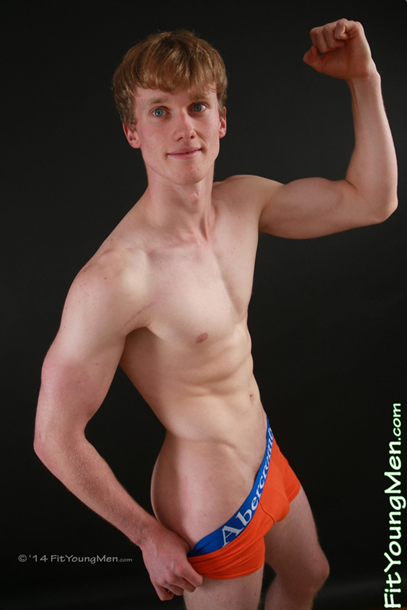 FitYoungMen-Oscar-Whitelaw-Badminton-Age-20-years-old-naked-straight-sportsmen-big-uncut-dicks-crotch-bulge-002-tube-video-gay-porn-gallery-sexpics-photo