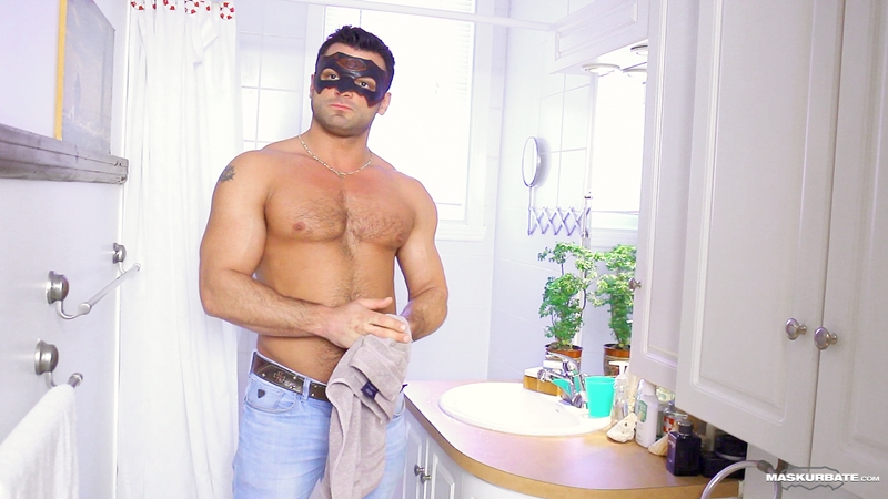 Straight construction guy Jeremy jerks off his big cock in a mask