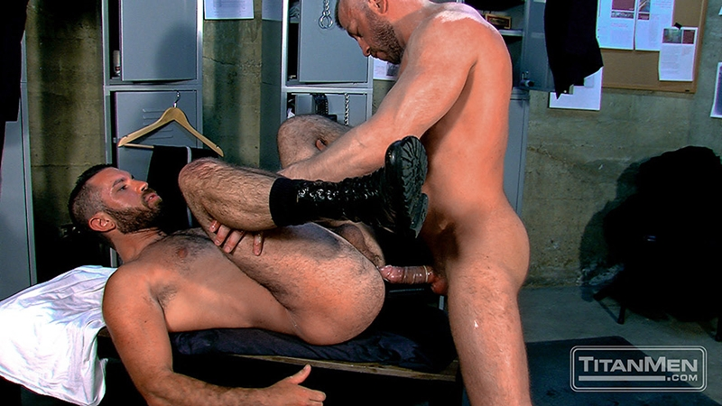 TitanMen-Hunter-Marx-fucks-Damien-Stone-licking-butthole-muscle-bottom-stud-hairy-asshole-rimming-cocksucking-013-tube-video-gay-porn-gallery-sexpics-photo
