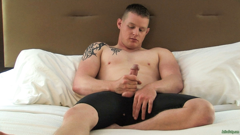 Eric jerks his military muscle dick