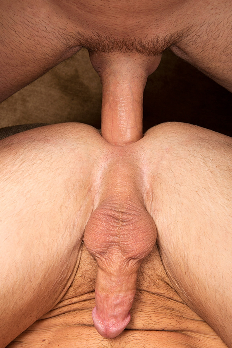 Huge cock in muscle butt consider