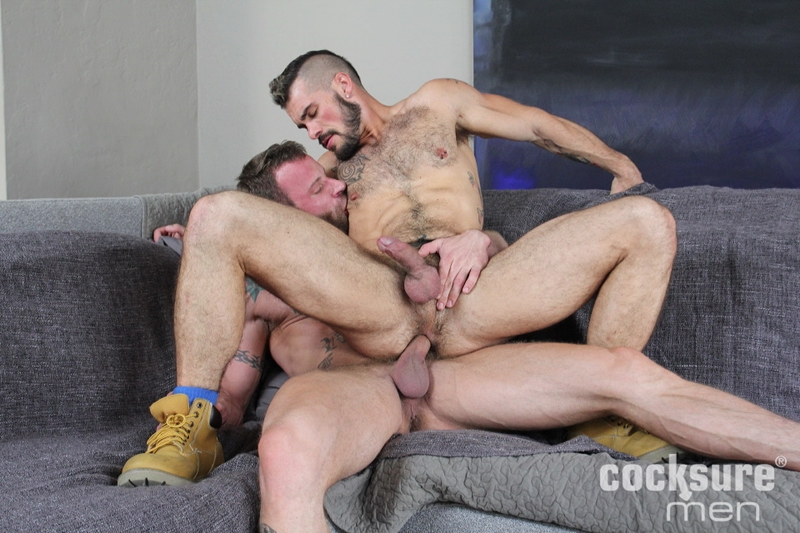 Bareback gays loves to fuck hardcore 8