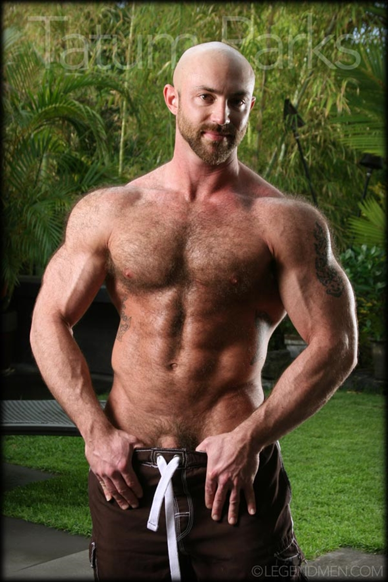 LegendMen-big-muscle-naked-bodybuilder-Tatum-Parks-muscle-men-hairy-chested-v-shaped-ripped-abs-fucker-top-man-huge-muscle-dick-001-gay-porn-video-porno-nude-movies-pics-porn-star-sex-photo