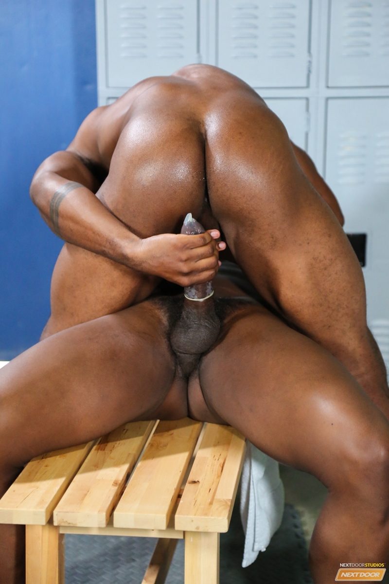 Black men like big butts