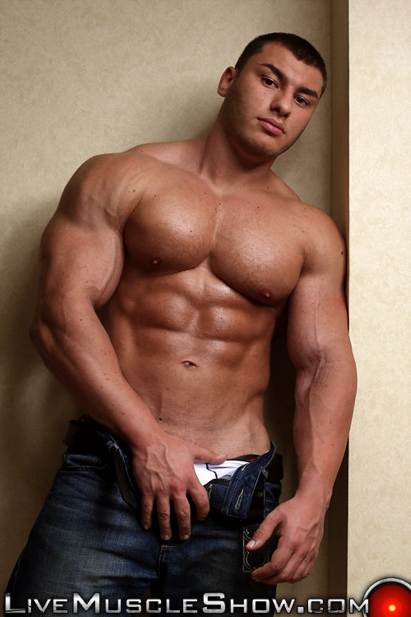20 Year Old Big Muscle Boy Lev Danovitz Shows Off His Huge -7621