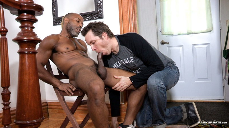 Maskurbate-DILF-Dad-I-like-to-fuck-hot-mature-men-worship-muscular-bodies-Robert-well-hung-black-guy-huge-ebony-9-inch-long-uncut-thick-dick-13-gay-porn-star-sex-video-gallery-photo