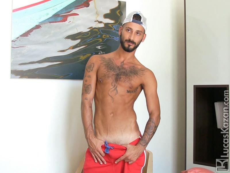 Gorgeous ripped Italian muscle hunk Daniele XXX Castings