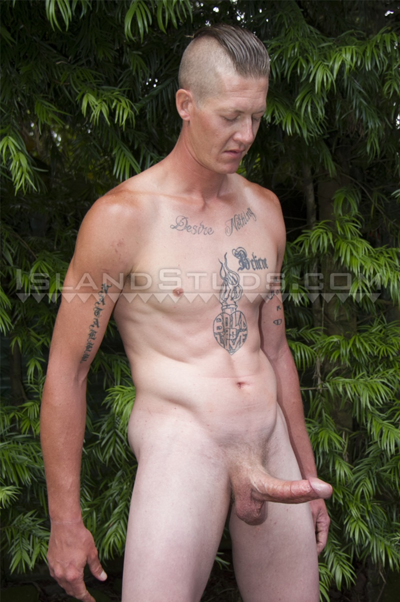 IslandStuds-LOVES-BIG-COCK-Tate-sexy-friendly-smile-strokes-monster-9-inch-dick-jerking-huge-cum-load-ripped-smooth-abs-tattoo-shaved-head-004-gay-porn-sex-gallery-pics-video-photo
