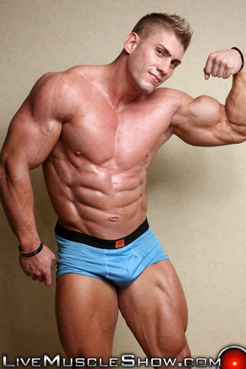 Big dicks gay muscle men videos
