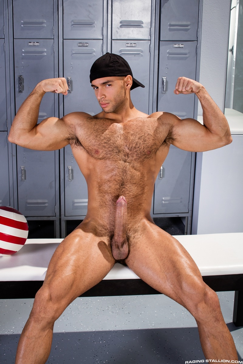 Muscular Guy With A Big Hard Uncut Dick