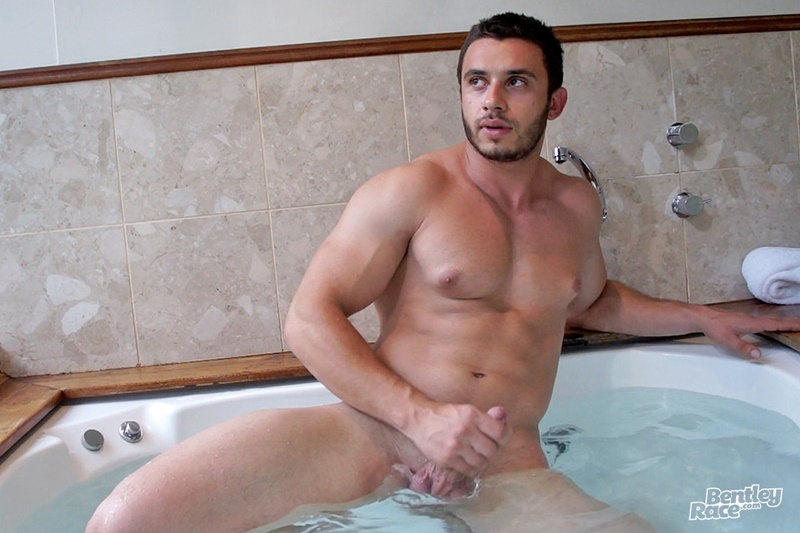 bentleyrace-sexy-young-australian-muscle-cub-stud-handsome-hunk-aussie-james-nowak-jerks-huge-thick-uncut-dick-hot-tub-cumshot-011-gay-porn-sex-gallery-pics-video-photo