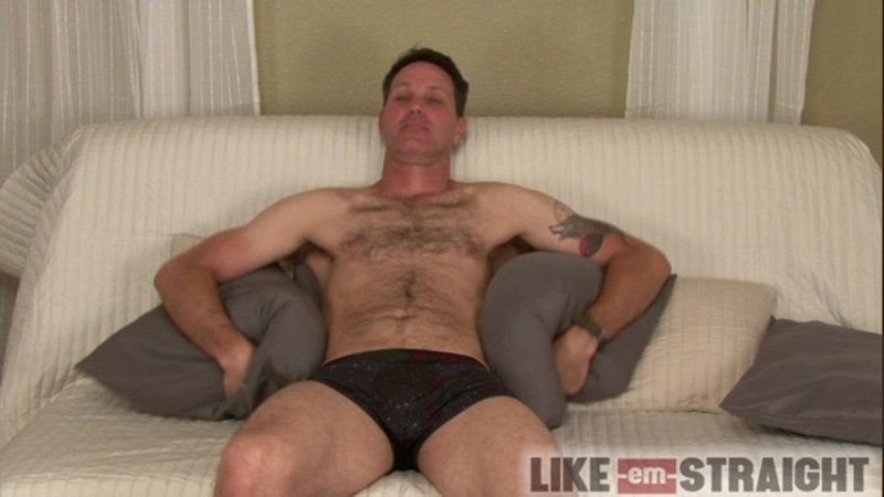 likeemstraight-straight-naked-men-like-em-straight-hal-deep-throat-cock-sucking-brendon-marley-cocksucker-gay-for-pay-002-gay-porn-sex-gallery-pics-video-photo