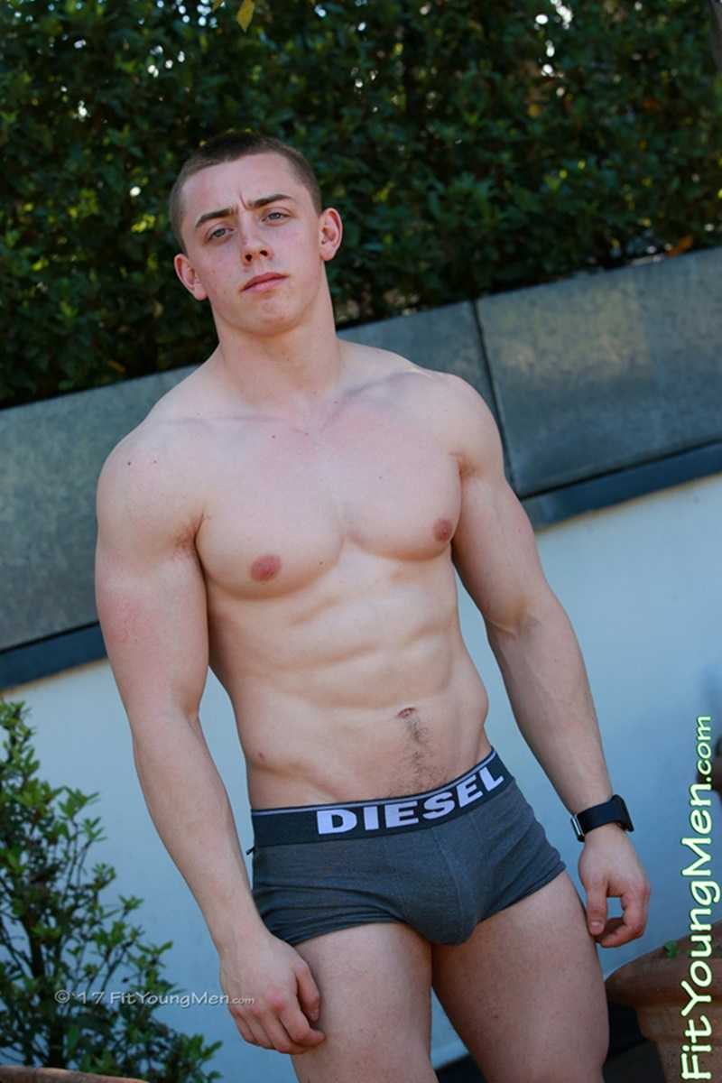 Young Straight Bodybuilder Aaron Horton Strips Naked -4384