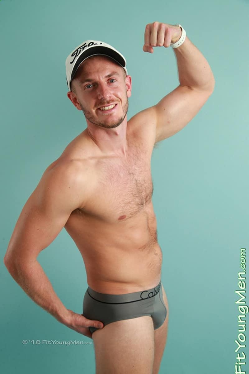 Pic naked sportsman
