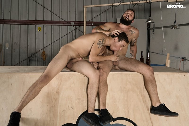 Bearded hunk Jeff Powers returns the wet blowjob before ramming Zane's tight hole raw