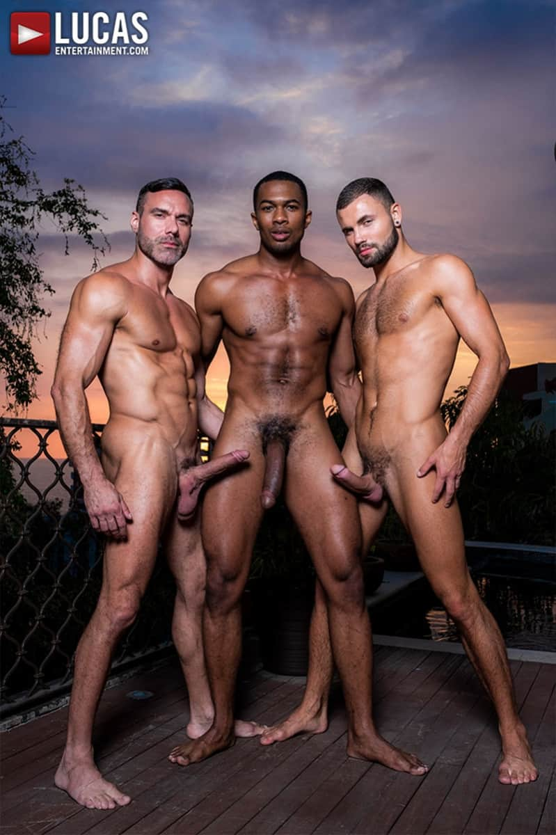 Men for Men Blog MANUEL-SKYE-JEFFREY-LLOYD-SEAN-XAVIER-SUNSET-SEX-LucasEntertainment-007-gay-porn-pictures-gallery Jeffrey Lloyd bareback fucks Sean Xavier before he takes Manuel Skye's big muscle cock Lucas Entertainment