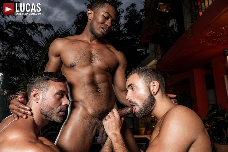 Men for Men Blog MANUEL-SKYE-JEFFREY-LLOYD-SEAN-XAVIER-SUNSET-SEX-LucasEntertainment-013-gay-porn-pictures-gallery Jeffrey Lloyd bareback fucks Sean Xavier before he takes Manuel Skye's big muscle cock Lucas Entertainment
