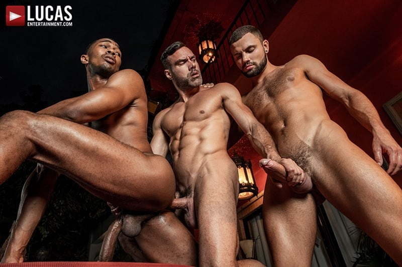 Men for Men Blog MANUEL-SKYE-JEFFREY-LLOYD-SEAN-XAVIER-SUNSET-SEX-LucasEntertainment-024-gay-porn-pictures-gallery Jeffrey Lloyd bareback fucks Sean Xavier before he takes Manuel Skye's big muscle cock Lucas Entertainment