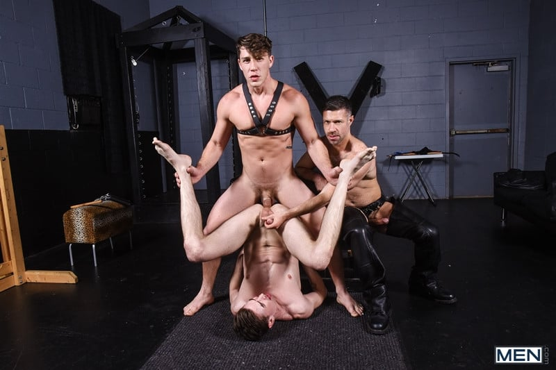 Men for Men Blog Gay-Porn-Pics-017-Tristan-Jaxx-Jack-Hunter-Paul-Canon-Hardcore-leather-big-dick-fucking-orgy-Men Hardcore leather big dick fucking orgy with Tristan Jaxx , Jack Hunter and Paul Canon Men