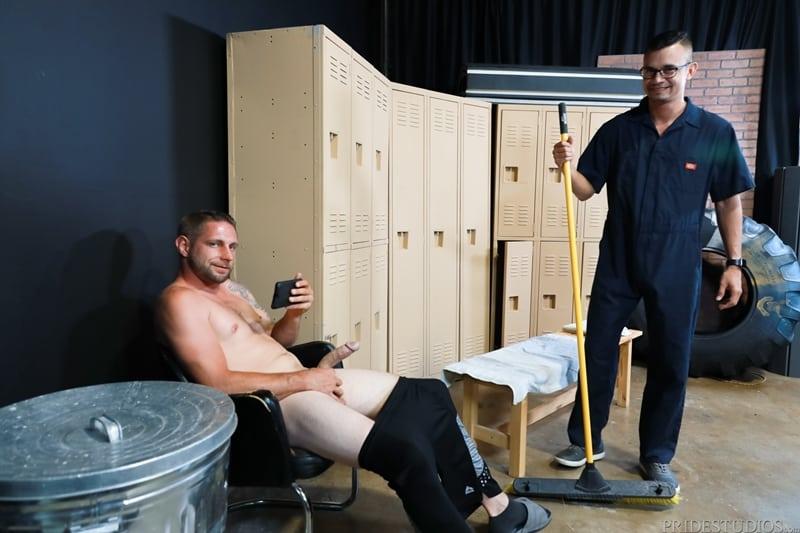 Mike-Lobo-sucking-Matt-Wingman-huge-dick-ExtraBigDicks-003-Gay-Porn-Pics