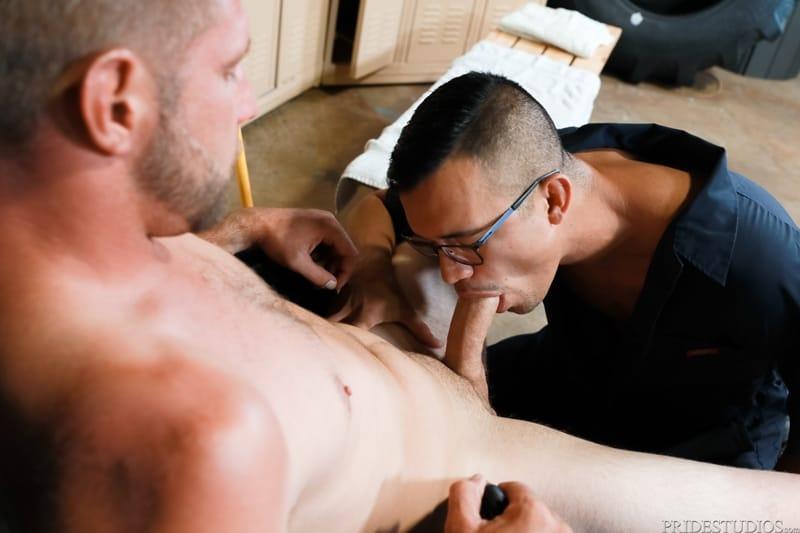 Mike-Lobo-sucking-Matt-Wingman-huge-dick-ExtraBigDicks-005-Gay-Porn-Pics