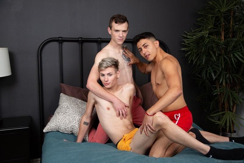 Scott-Finn-fucks-young-twinks-Tyler-Lakes-Cyrus-Starks-tight-boy-butts-NextDoorTwink-006-Gay-Porn-Pics