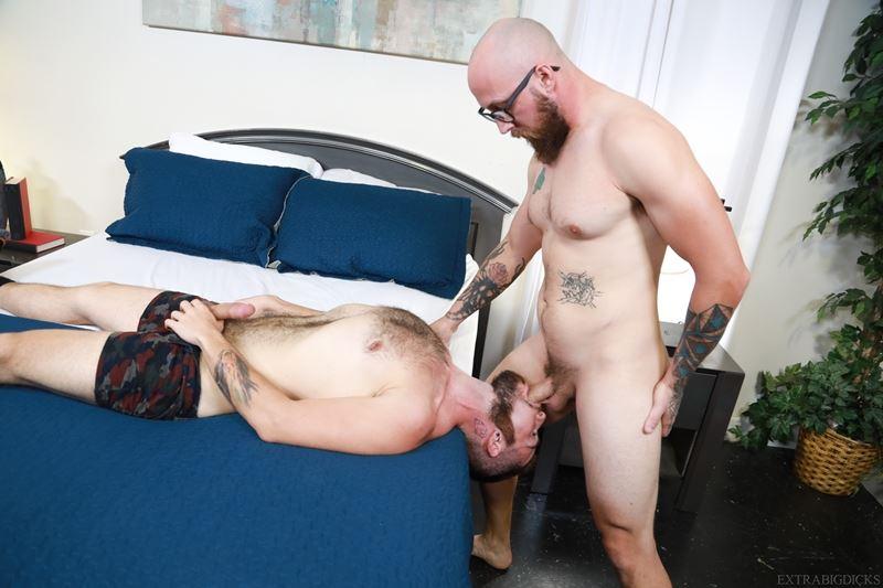 Bearded hunks Dustin Steele fucks Jack Winters' hot bubble ass