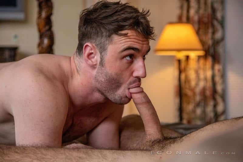 Hot young daddy Jesse Zeppelin fucks stepson Michael Boston's hot bubble ass